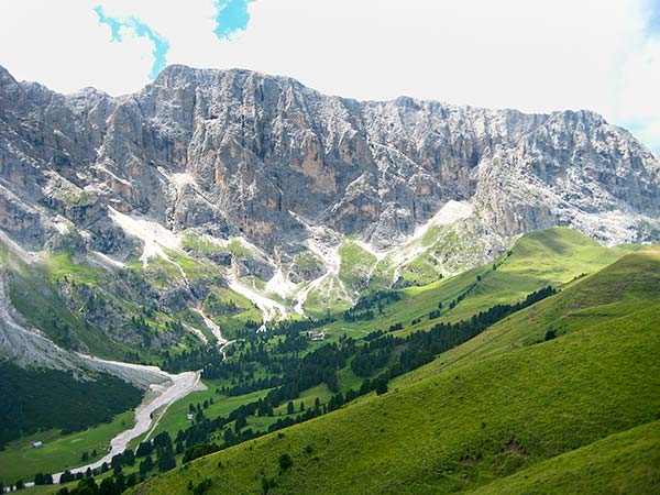 Hiking at Alpe di Siusi (Seiser Alm) in the Italian Dolomites – One of my Favorites