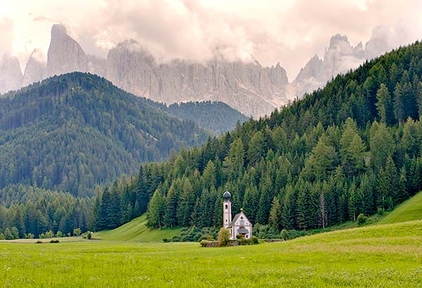 A Tiny Church in the Magnificent Dolomite Mountains (with Photos)